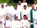 Sacerdotes diocesanos participantes en los ejercicios espirituales.