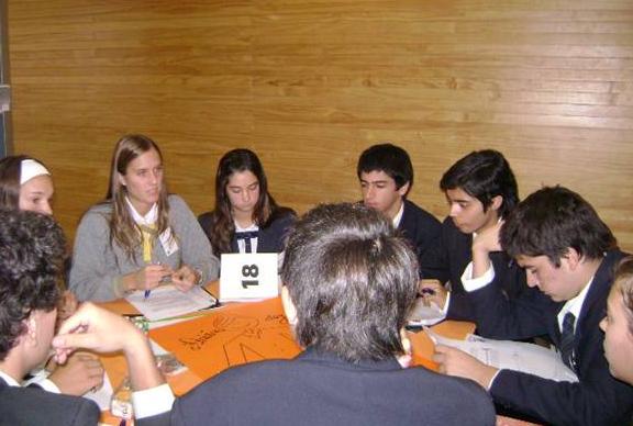 Los alumnos de los colegios intercambiaron ideas y analizaron iniciativas para aplicar en su vida de estudiantes de cara a la sociedad.