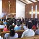 Personal directivo, docente y administrativo de los colegios Mano Amiga y de otros colegios hermanos, durante su triduo espiritual en Cotija de la Paz.