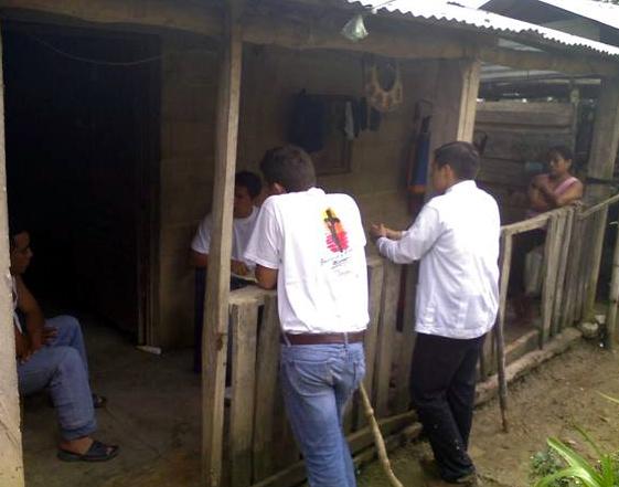 Los jóvenes son conscientes de las necesidades apremiantes de las comunidades visitadas, tomándose en serio el compromiso de ayudar a los demás.