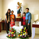 Familia Guevara Zuloaga junto a la Virgen Peregrina de la Familia, en el Club Timón de Saltillo.