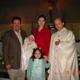 Familia Padilla con su director espiritual.